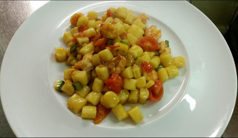 Gnocchetti con gamberetti e zucchine
